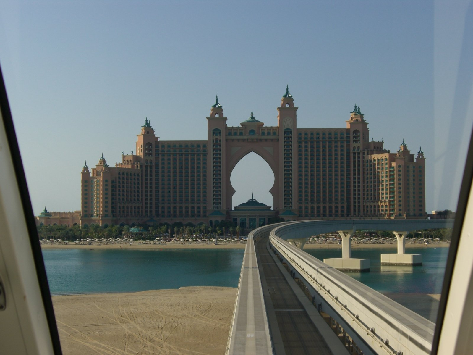 Atlantis Palm Hotel Viewed From The Monorail